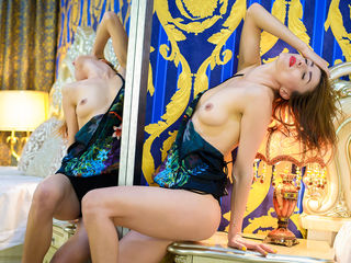 camgirl livesex CareenClover