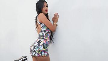 PrettySarita | Jasmin