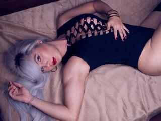 HottieAniie ,  transgender Cams , I love red Rose, Red Vine, Smelly Candles, i love