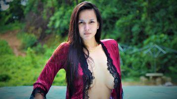 urLOVELYIZAH | Jasmin