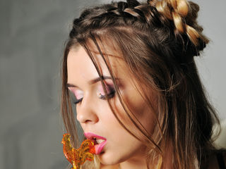 camgirl photo WetLipsRosaJ