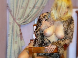 VIVO.webcam LadyAlexis1 (47) MILF with normal breasts