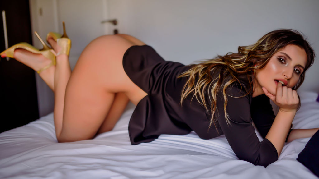 Watch the sexy ExotiqBabe from LiveJasmin at GirlsOfJasmin