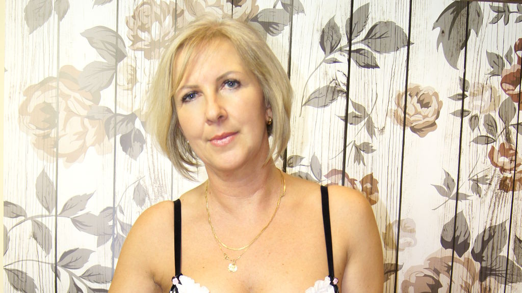 Watch the sexy EricaSweetLady from LiveJasmin at GirlsOfJasmin