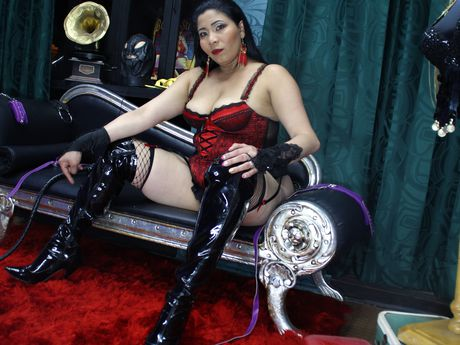 Live show with Mistress Leiiza