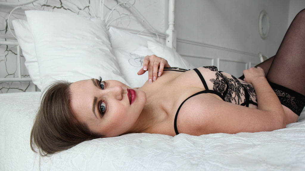 LovelyLotte online at GirlsOfJasmin