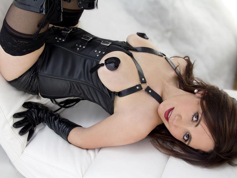Lenna33 - latin fetish cam model