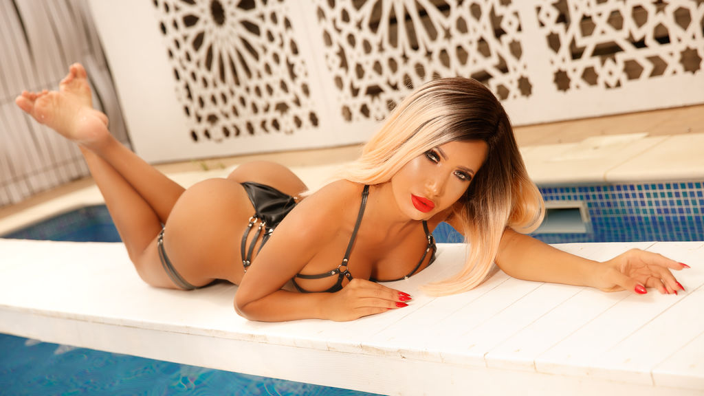 Watch the sexy MisssCharlotte from LiveJasmin at GirlsOfJasmin