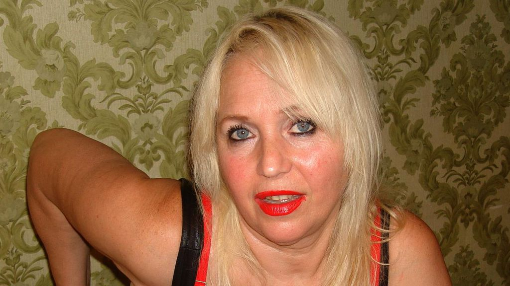 MatureSexyLady online at GirlsOfJasmin