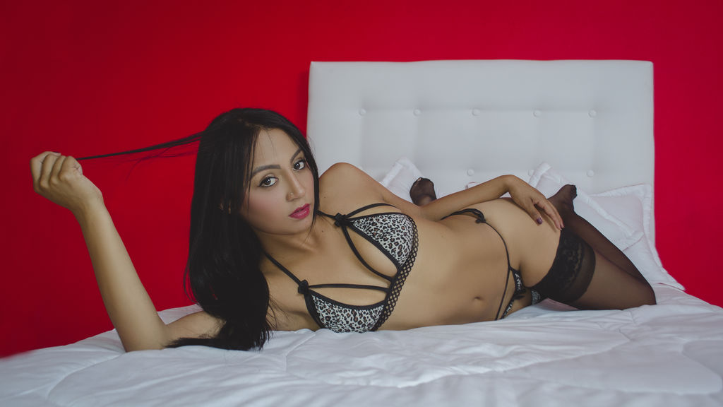 CharlotteSimpson online at GirlsOfJasmin