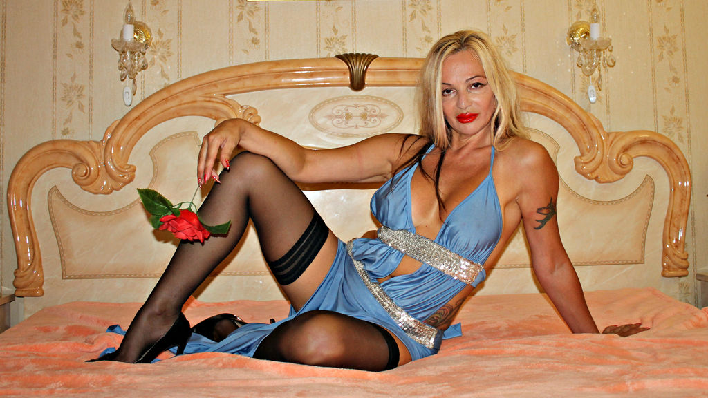 missAndrea online at GirlsOfJasmin