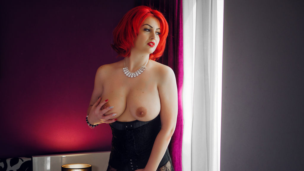 Watch the sexy AnnaLauren from LiveJasmin at GirlsOfJasmin