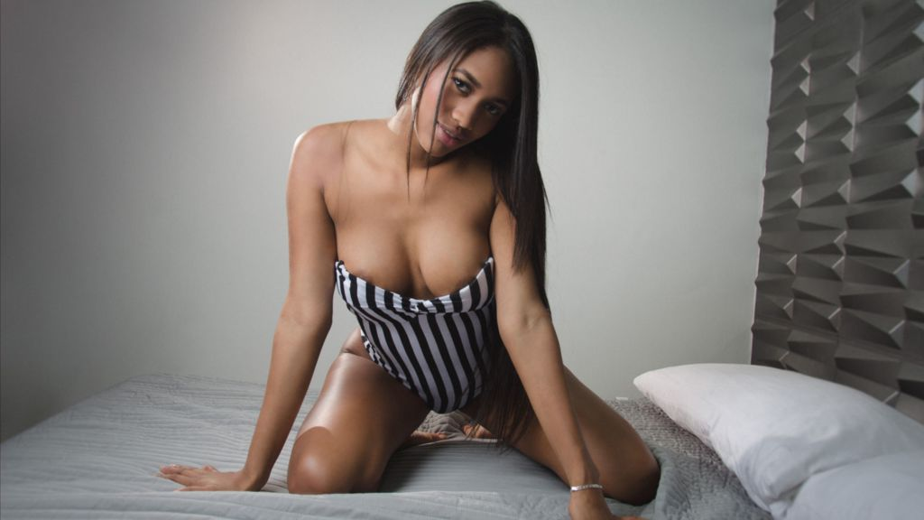 SamanthaWilliams online at GirlsOfJasmin