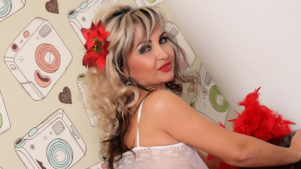 Discover and Live Sex Chat with LadyEmi on Live Jasmin