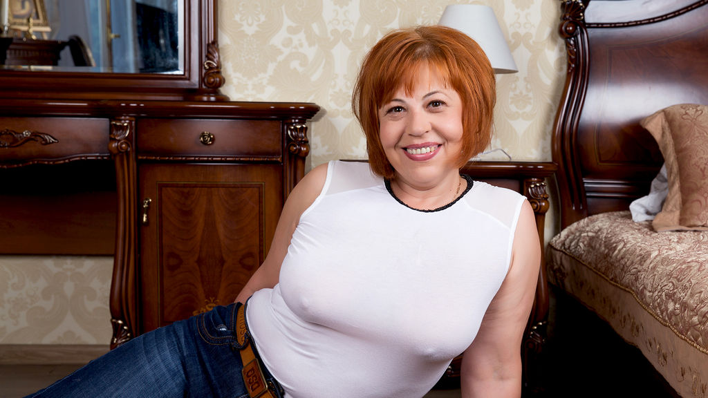 Wiselady online at GirlsOfJasmin