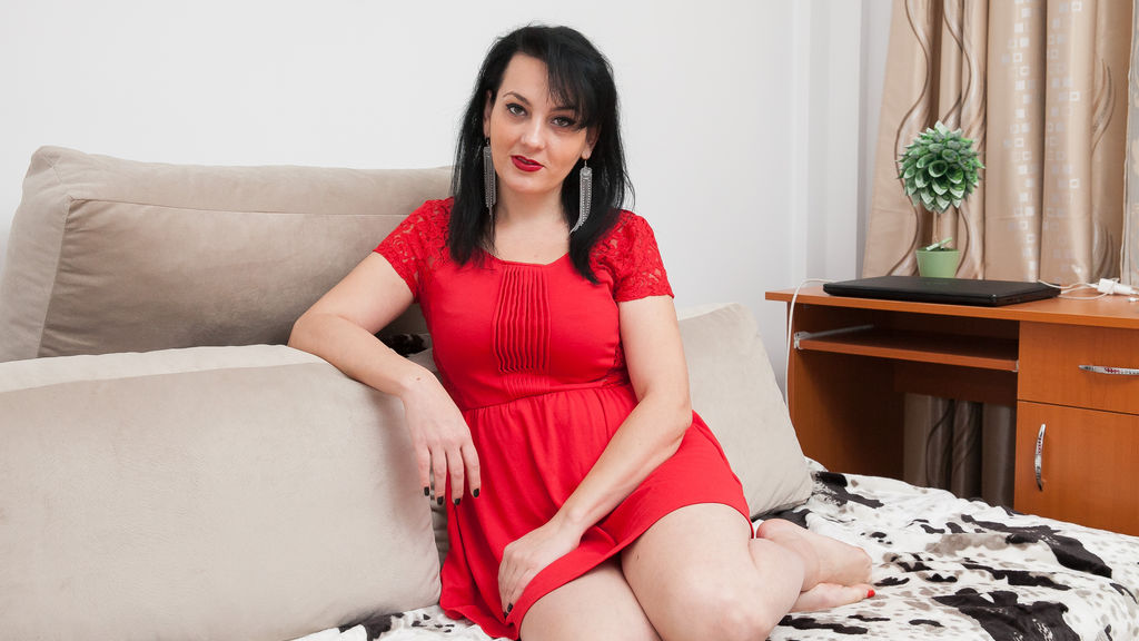 DimpleSmile online at GirlsOfJasmin
