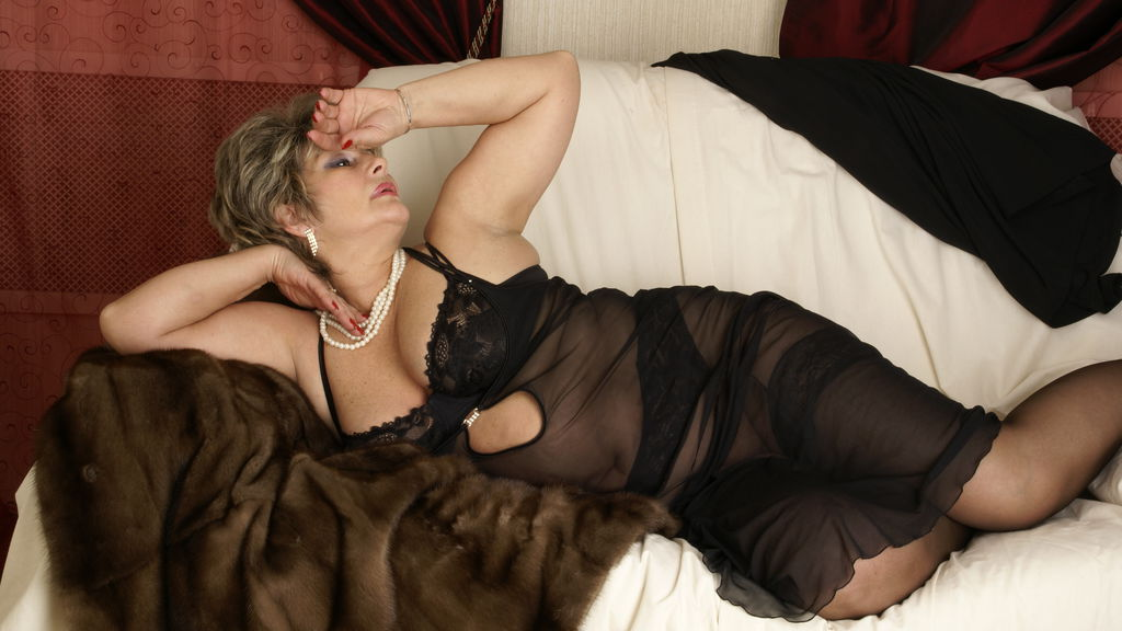 Watch the sexy CharmGrannyX from LiveJasmin at GirlsOfJasmin