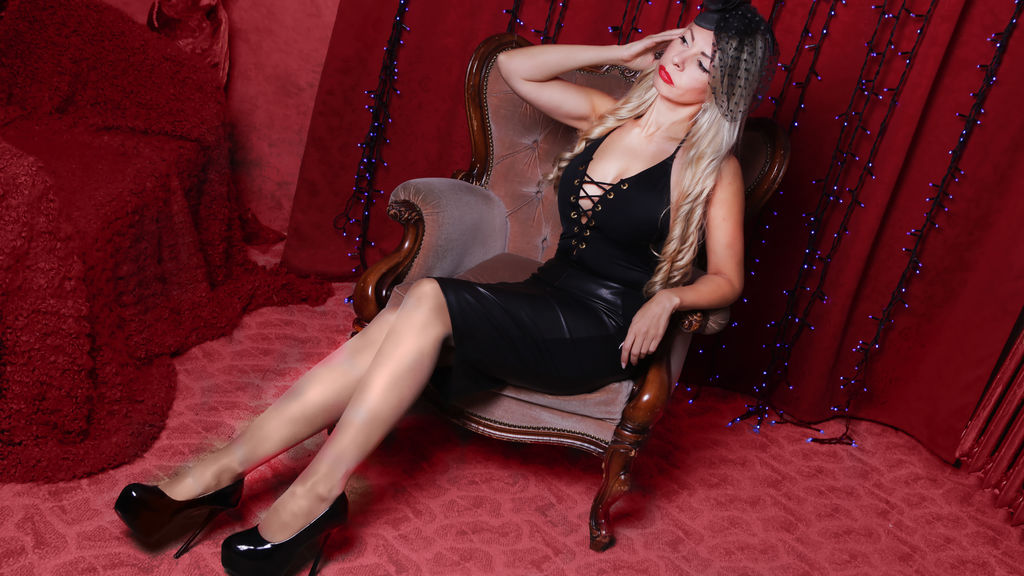 Watch the sexy MissKendra from LiveJasmin at GirlsOfJasmin
