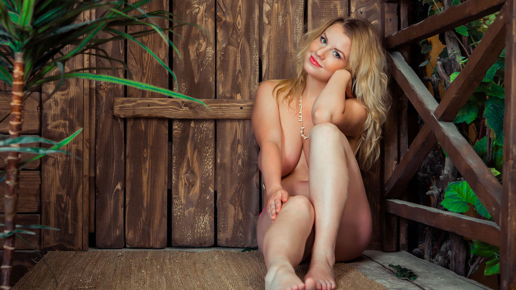 Statistics of AdrianaReinomo cam girl at GirlsOfJasmin