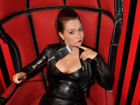 Live show with Mistress MatureDomme