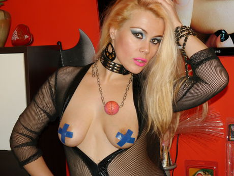 Live show with Mistress GapeMyHOLES