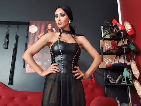 Live show with Mistress divadomme